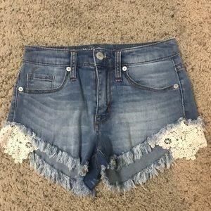 JEAN SHORT WITH CREAM LACE SIZE0
